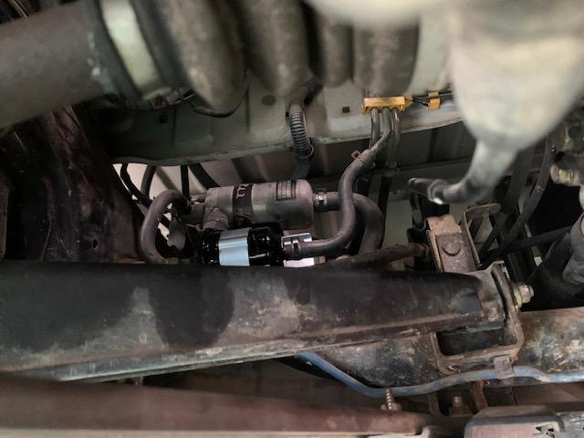 いきなりエンジンかからず、それ以降かからない TT2 スバル サンバートラック燃料ポンプ交換
